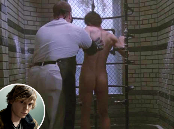 Evan Peters, Butt