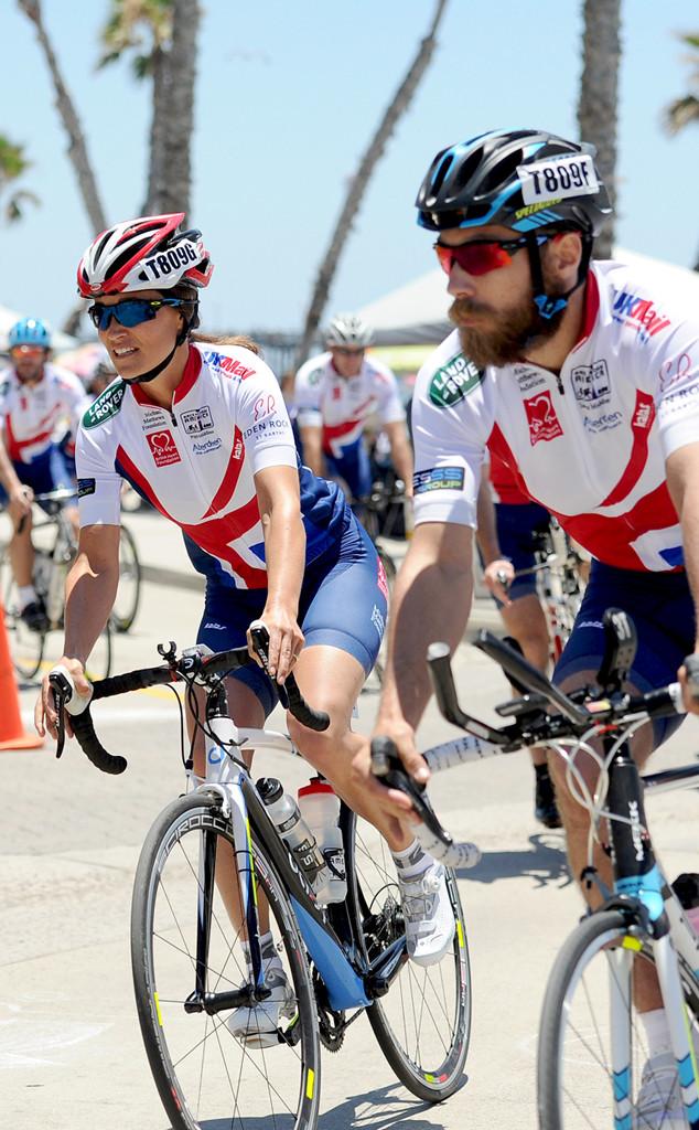 Pippa middleton begins 3 000 mile race across america bike for Charity motors 8 mile lahser