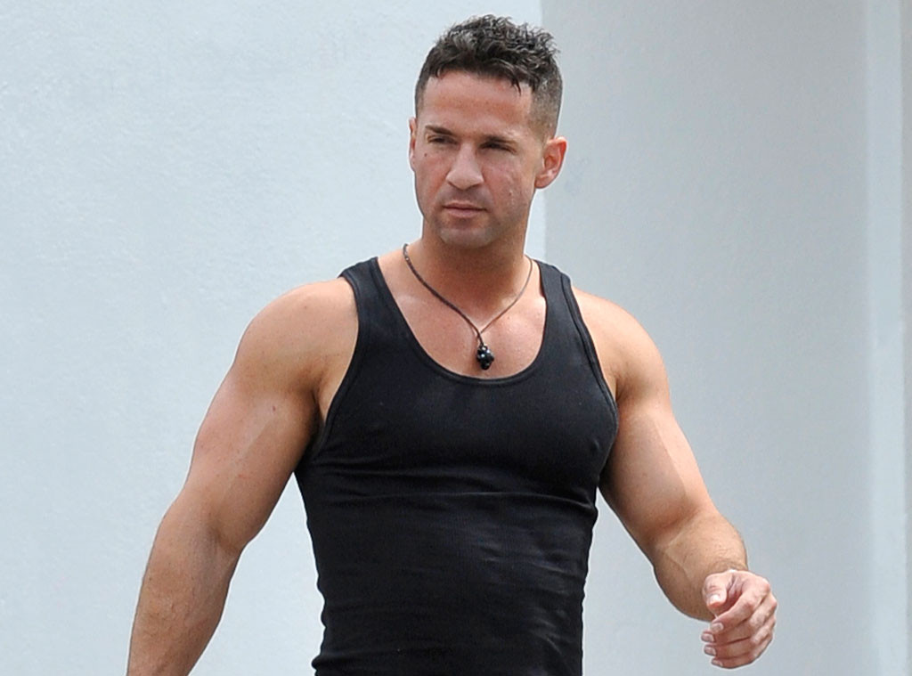 Mike The Situation Sorrentino Flexes After Losing 36 Lbs