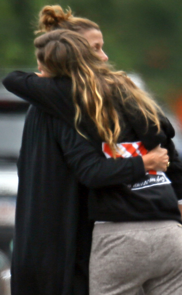 Gisele Bündchen Hugs Tom Brady's Ex Bridget Moynahan—See the
