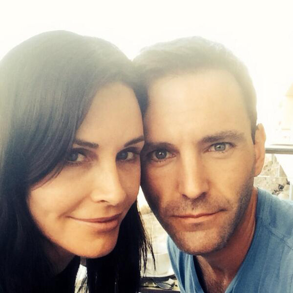 Courteney Cox, Twitter, Engaged