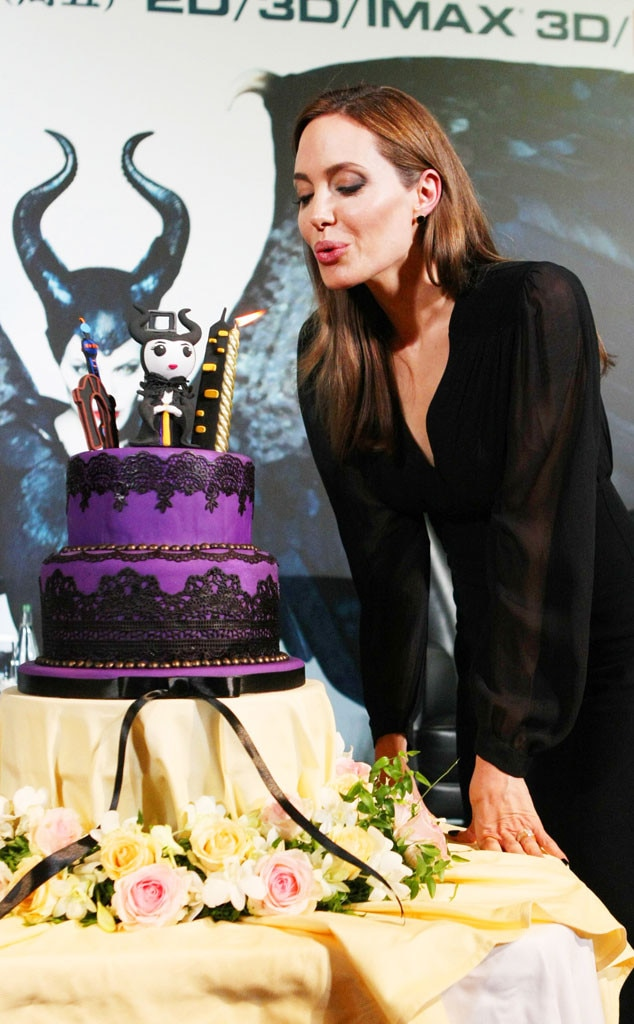 Angelina Jolie, Cake