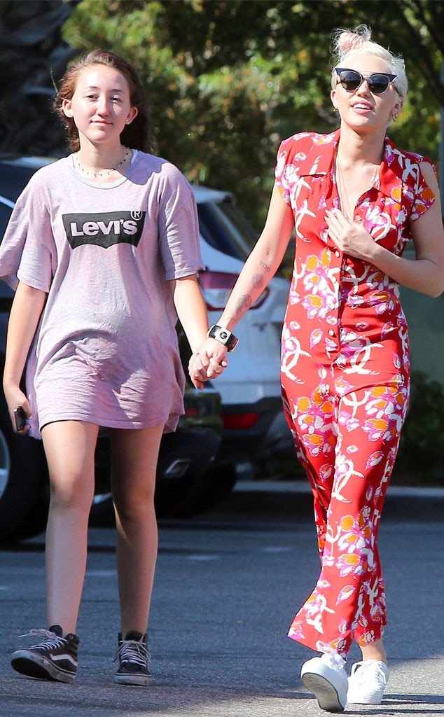 Miley Cyrus & Noah Cyrus from The Big Picture: Today's Hot ...