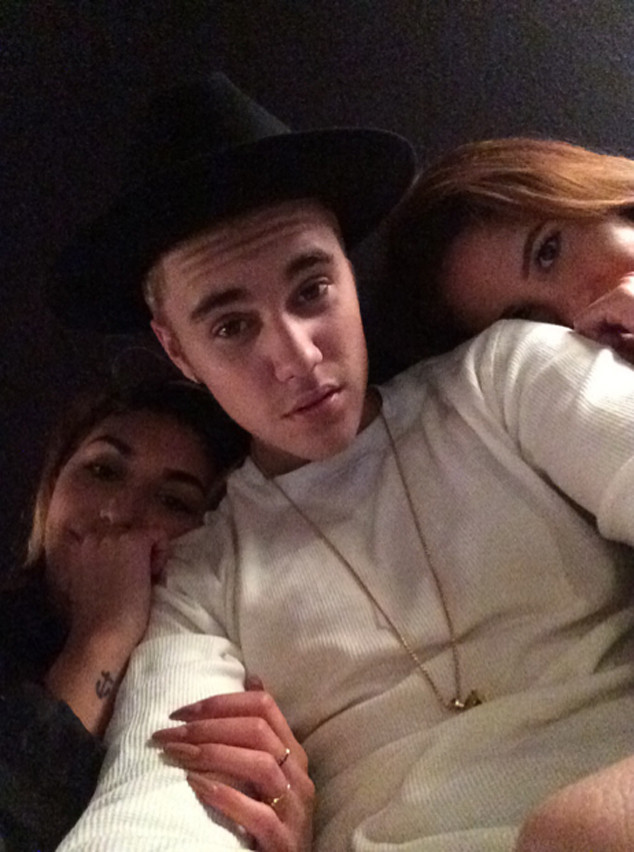 Justin Bieber Shares Nearly Naked Selfie, Cuddles With Gal ...