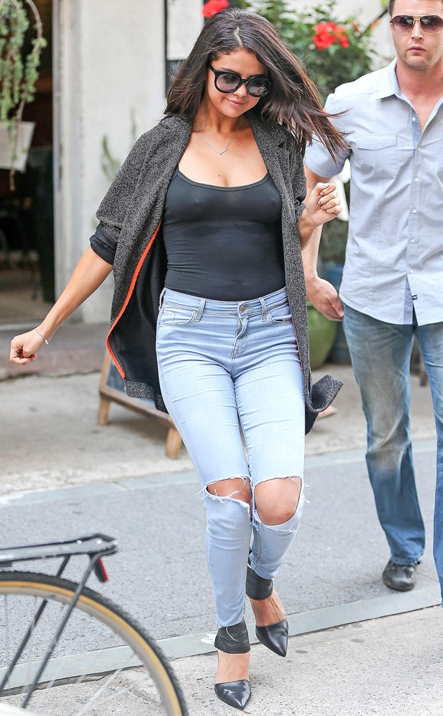 PHOTOS: Selena Gomez Suffers a Serious Wardrobe