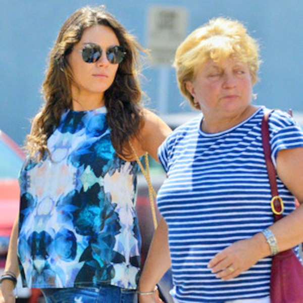Elvira Kunis mila kunis dresses baby bump in blue steps out with