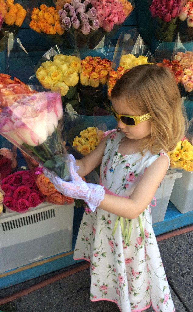 Annabelle Earl, flower girl