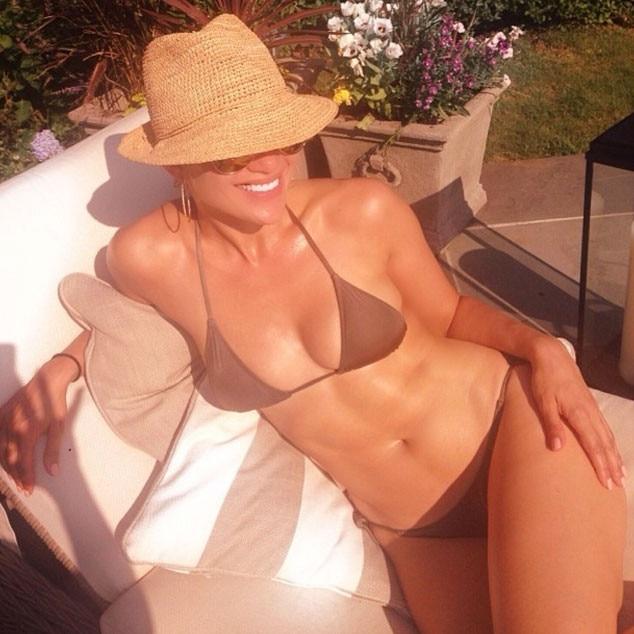 Jennifer Lopez, Bikini, Instagram