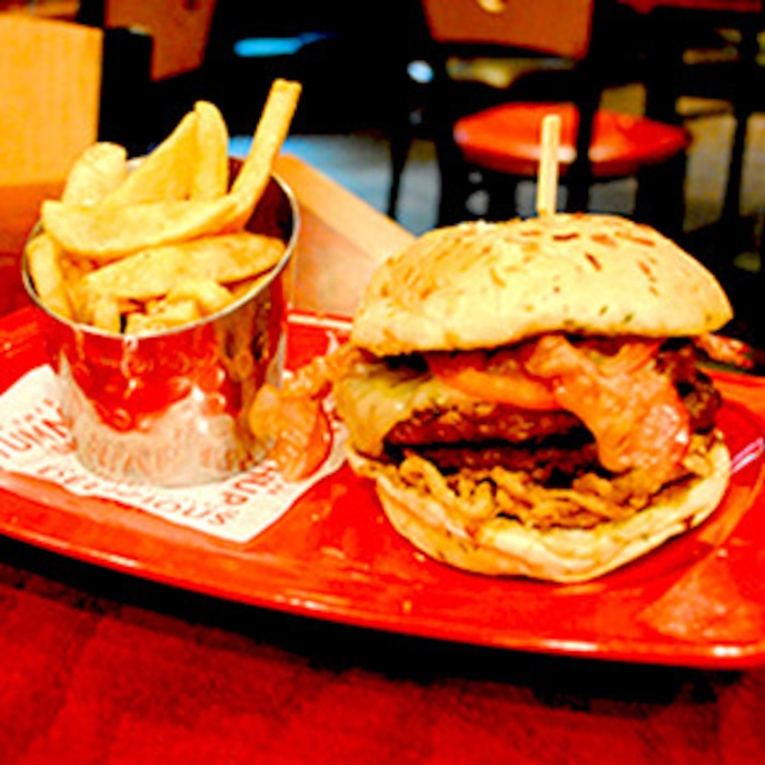 In Defense Of Red Robins 3000 Calorie Burger And The Other 8 Most - Us-beer-map-red-robin