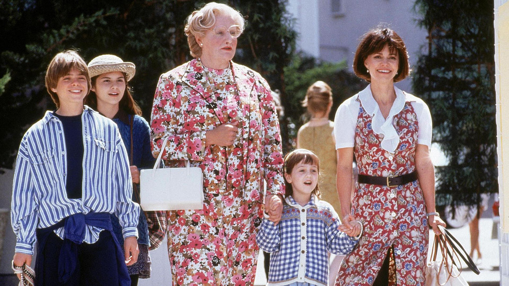 Why Mrs Doubtfire Holds Up After 25 Years E Online