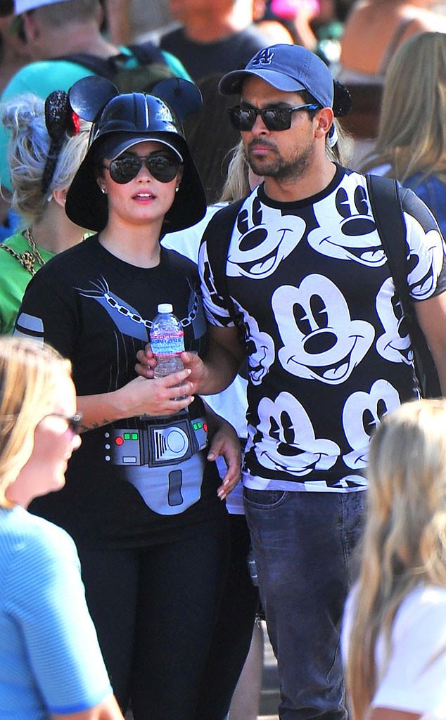 Demi Lovato Celebrates 22nd Birthday At Disneyland With Wilmer Valderrama See The Pic