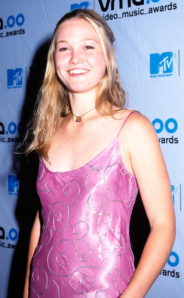 Julia Stiles, MTV VMA's 2000