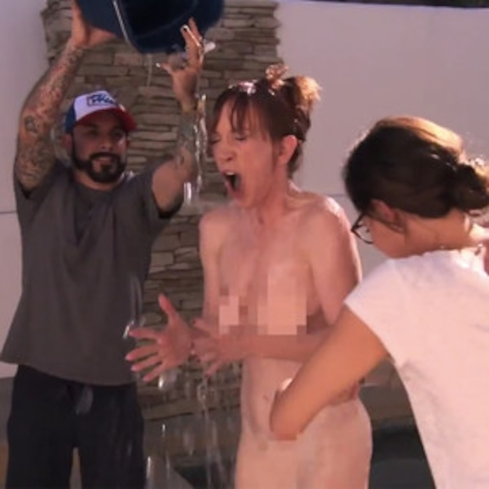 Kathy Griffin Completes the ALS Ice Bucket Challenge Naked on Jimmy Kimmel  Live—Watch Now! | E! News