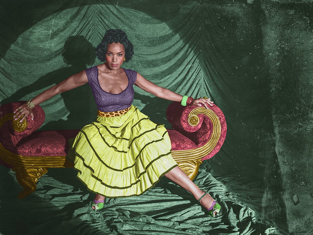 Angela Bassett S No 3 Desiree Dupree Ahs Freak Show From