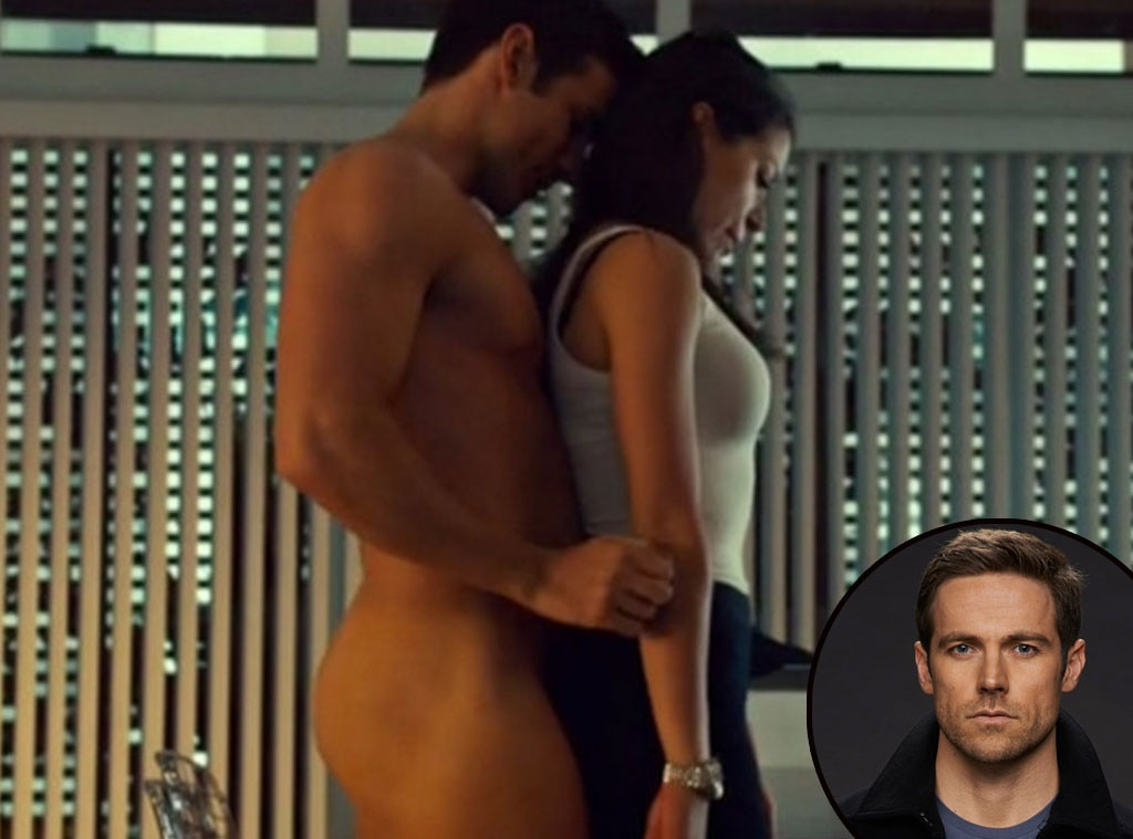 Stephen Amell On Arrow From Baby Got Back Whos Got The Best Butt