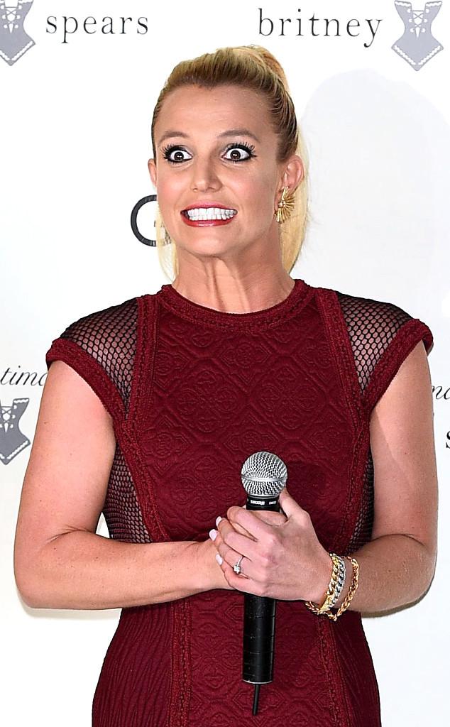 Britney spears desnuda bajando de un auto photo 78