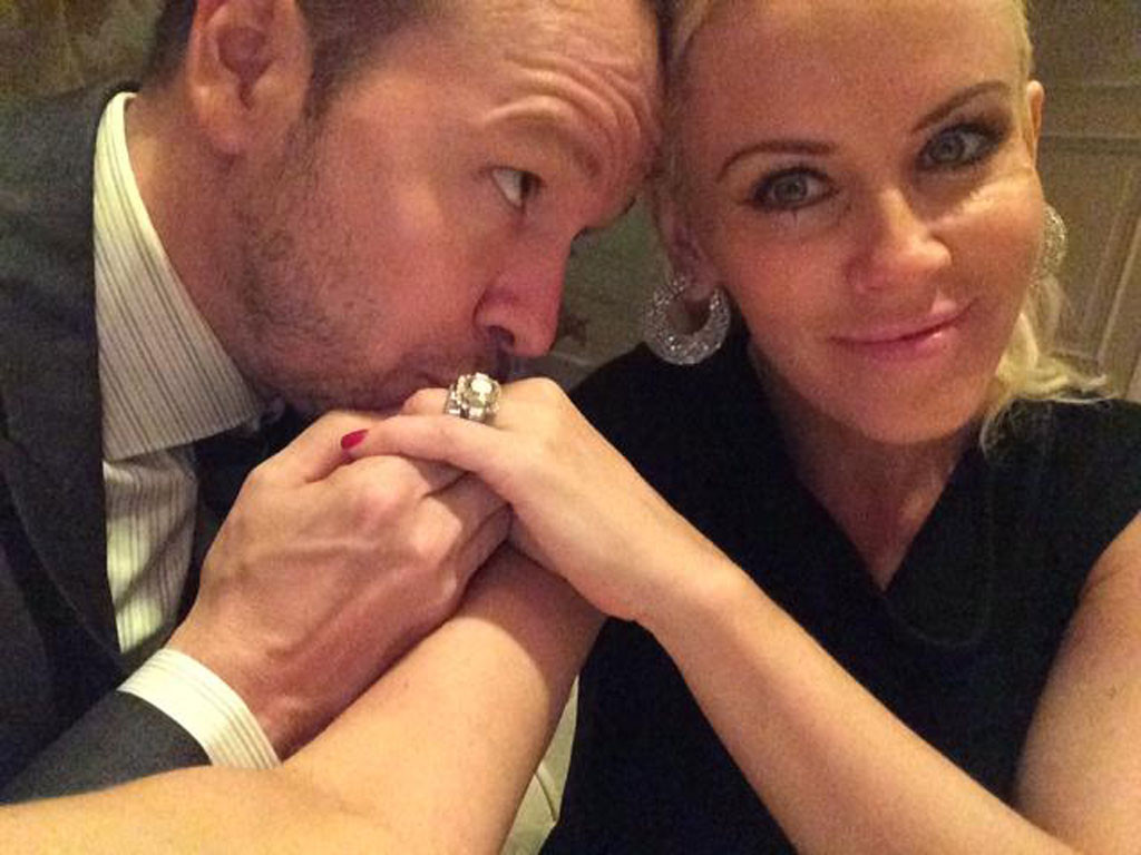 Jenny McCarthy, Donnie Wahlberg, Twitter
