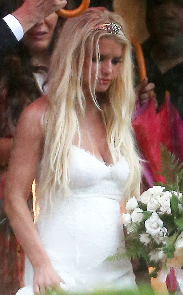 Get The Details On Ashlee Simpson S Stunning Wedding Dress