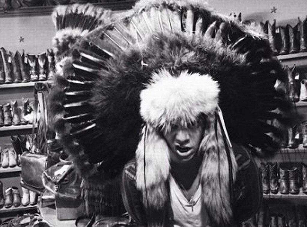 Harry Styles, Headdress