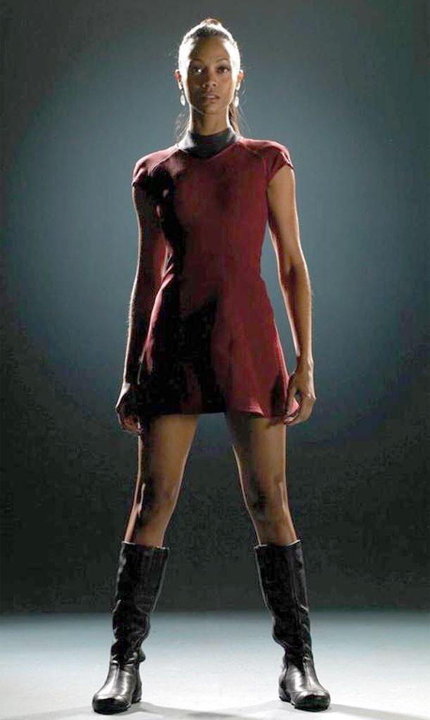 Zoe Saldana Remembers Flashing Star Trek Co Stars E