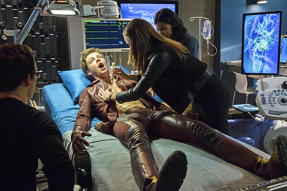 The Flash, Tom Cavanagh, Grant Gustin, Danielle Panabaker, Carlos Valdes