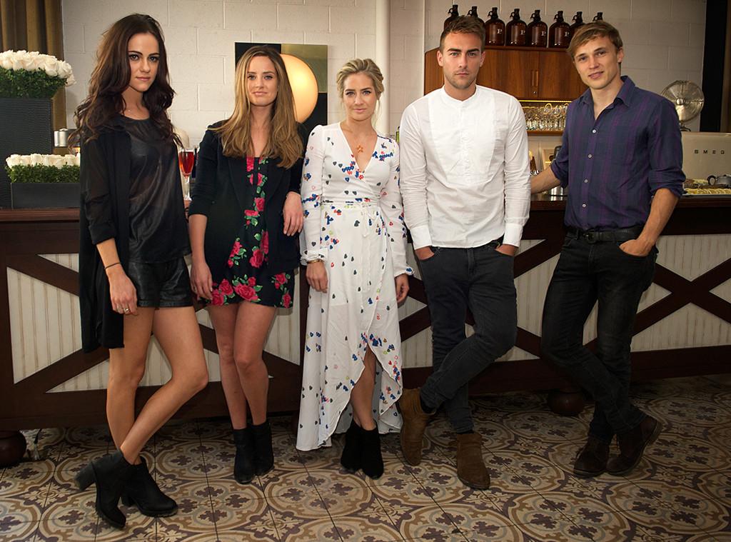 Tea & Strumpets with E!'s The Royals, Cast