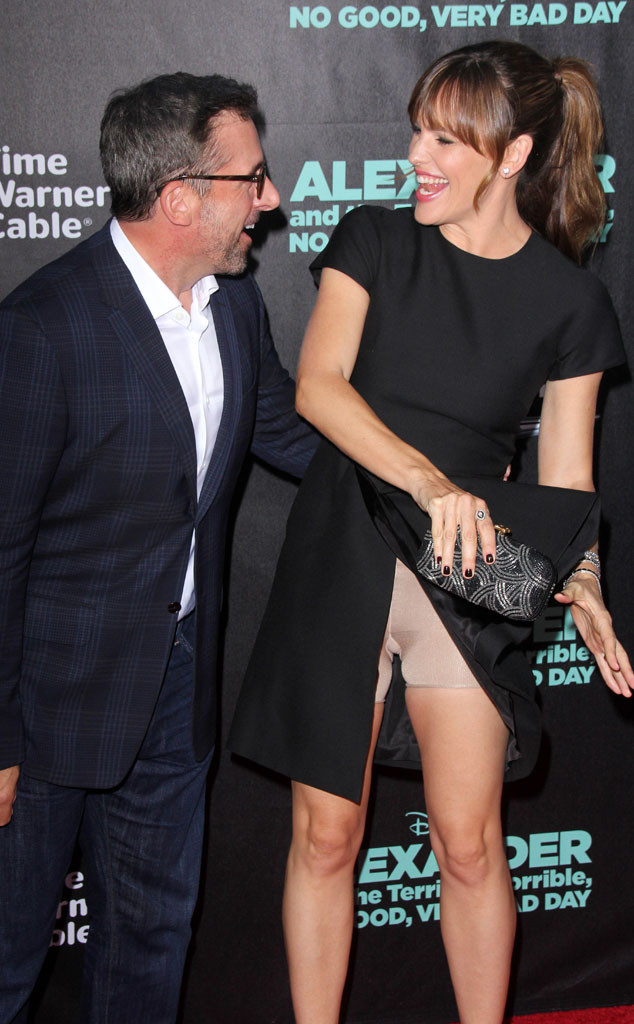 Steve Carell, Jennifer Garner, Wardrobe Malfunction
