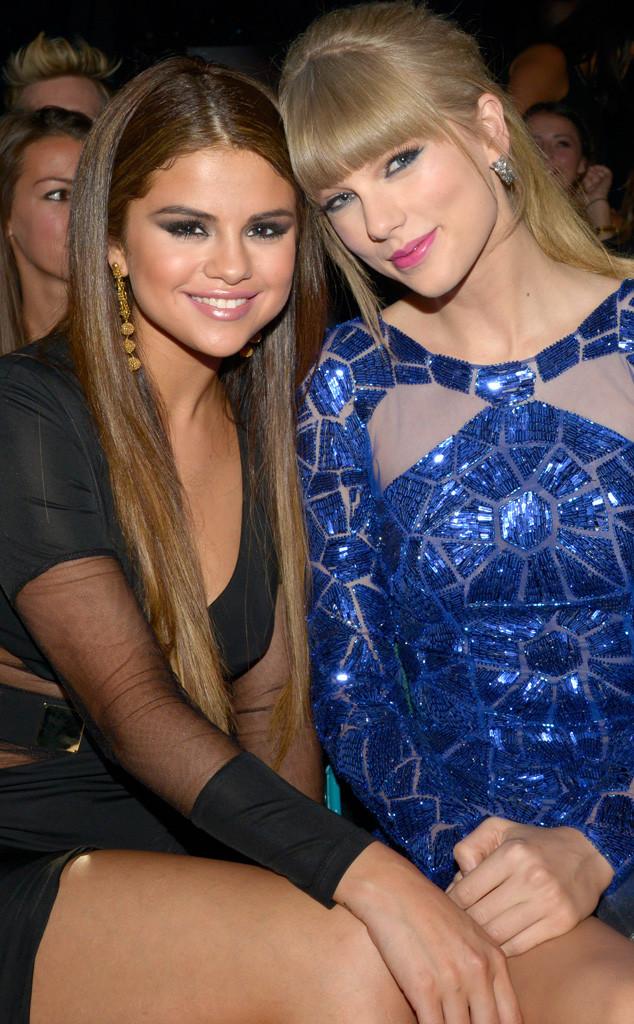 Selena Gomez faz imitação de sua melhor amiga, Taylor Swift
