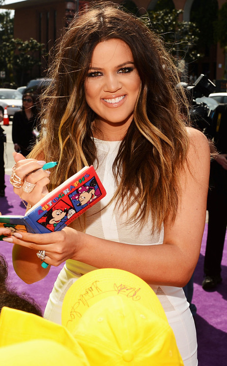 Khloe Kardashian, Hair