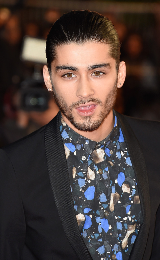 It's Official! Zayn Malik Has Been Cut From One Direction's Tour Videos