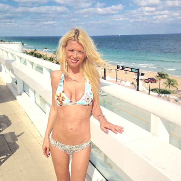 Tara Reid Looks Tiny In Bikini, Clears Up Porn Star Rumors -3461