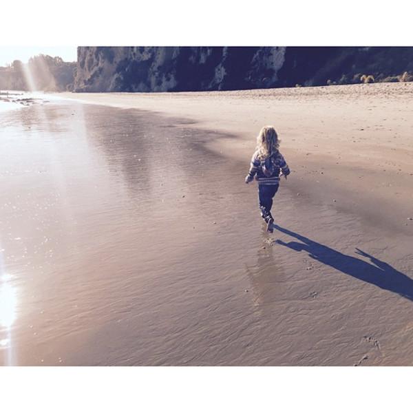 Jessica Simpson, Instagram