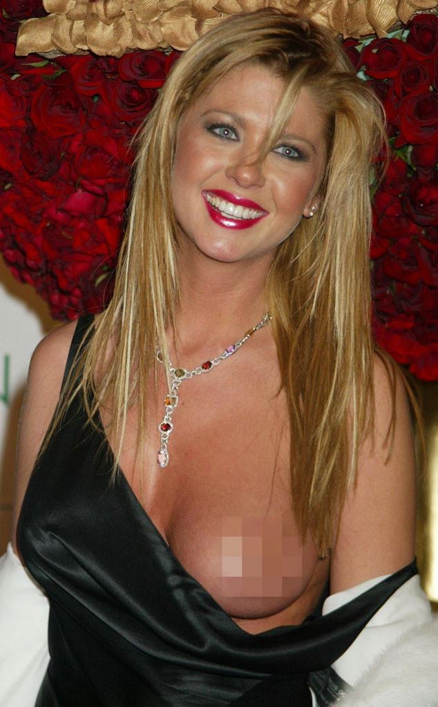 tara reid red carpert boobs