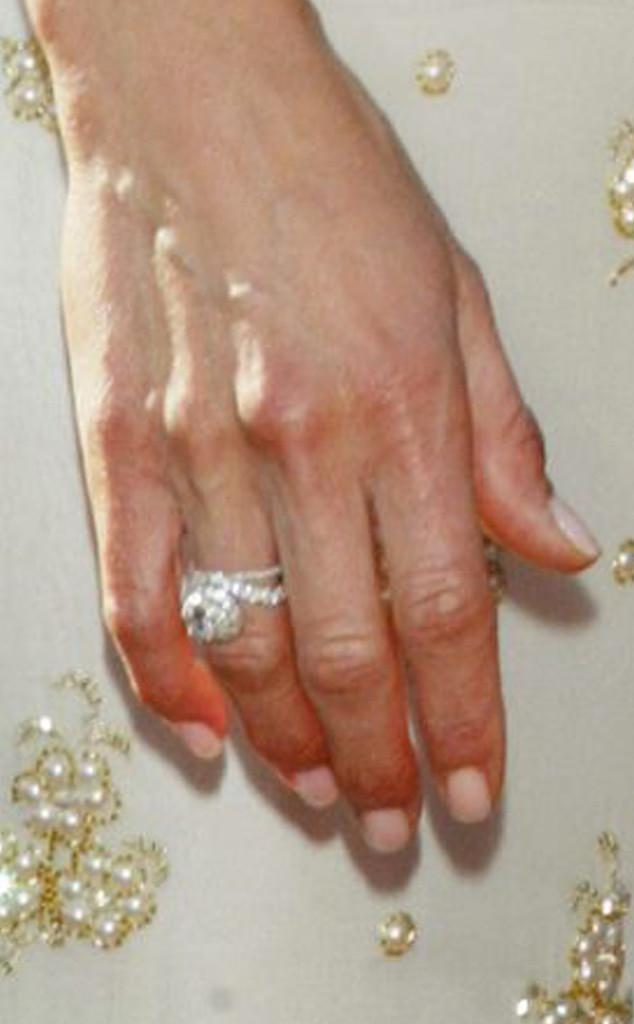 Jennifer Aniston Talks About Deceased \'\'First Love,\'\' Wedding ...