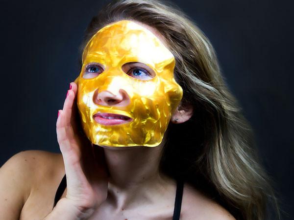 ESC, Gold Face Mask