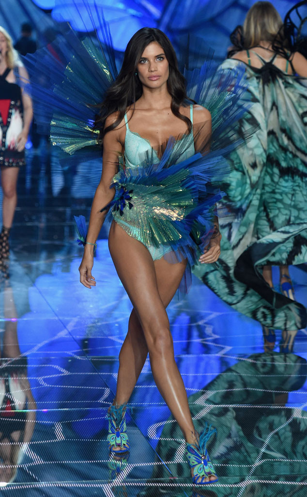 Sara Sampaio, Victoria's Secret Fashion Show Runway