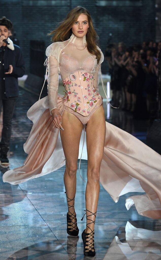 Sanne Vloet, Victoria's Secret Fashion Show Runway