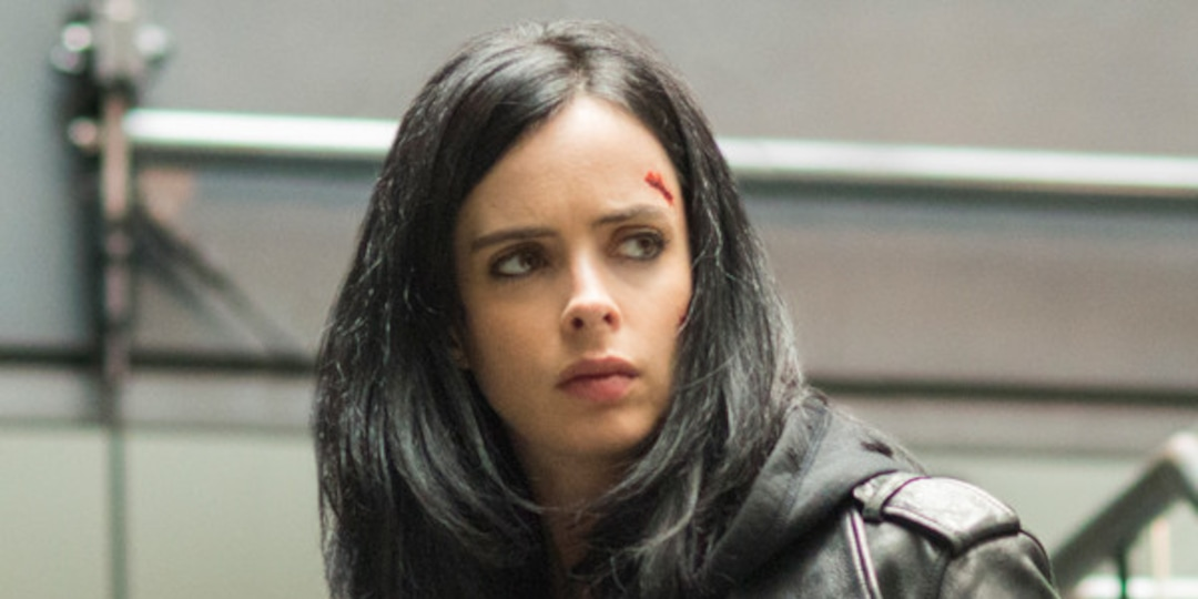 Why The Girl in the Woods Is Really a Jessica Jones Reunion - E! Online.jpg