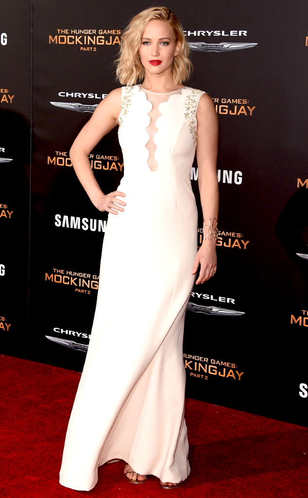 Jennifer Lawrence, Elizabeth Banks & More Light Up MockingJay - Part ...