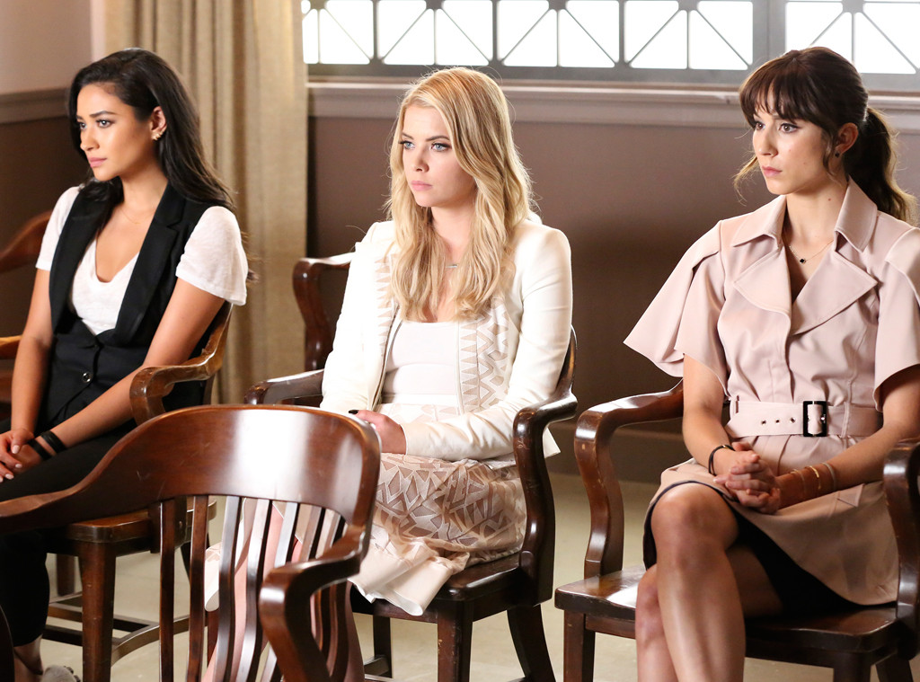 pretty little liars reading fanfiction aria and spencer dating chapter 1