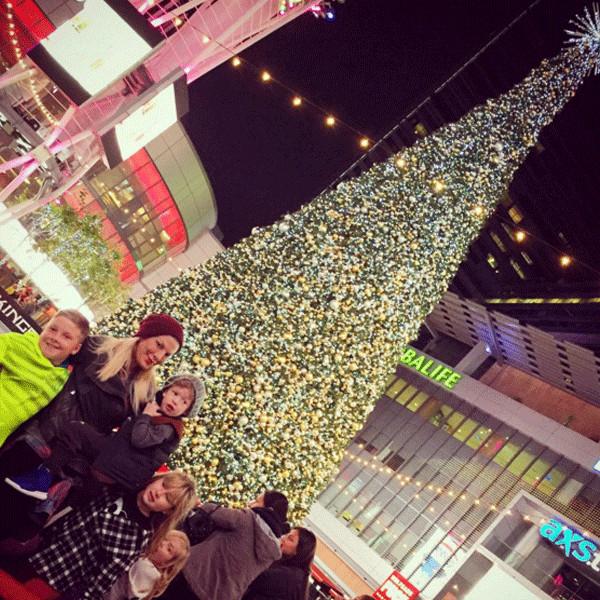 Tori Spelling, Christmas 2015