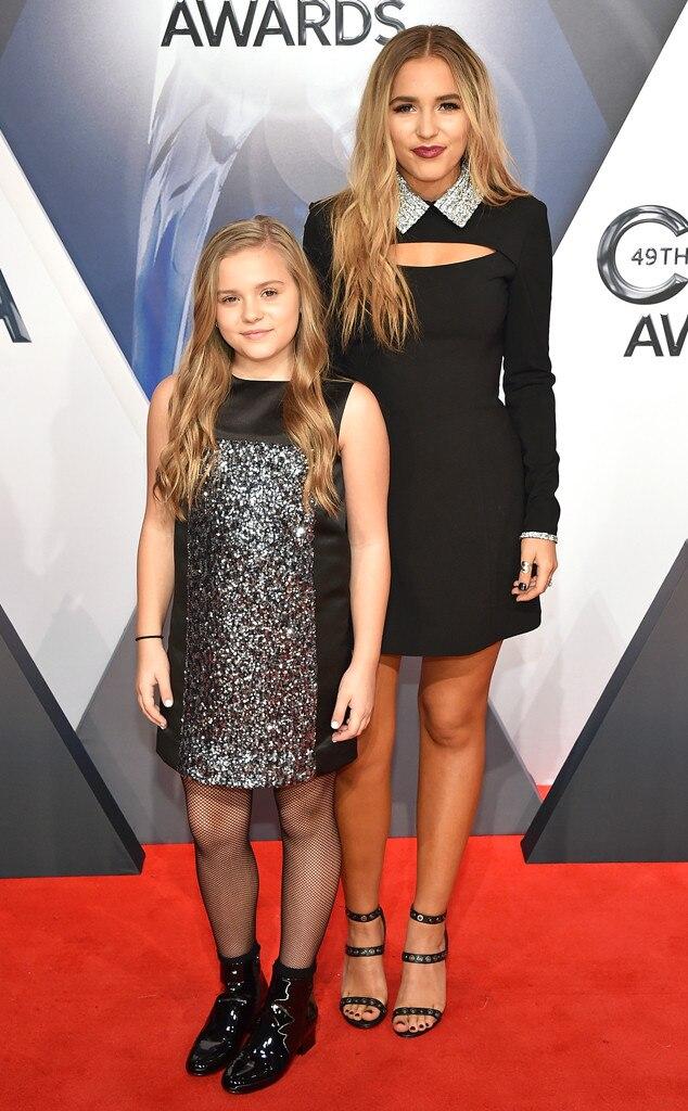 Maisy Stella, Lennon Stella, 2015 CMA Awards