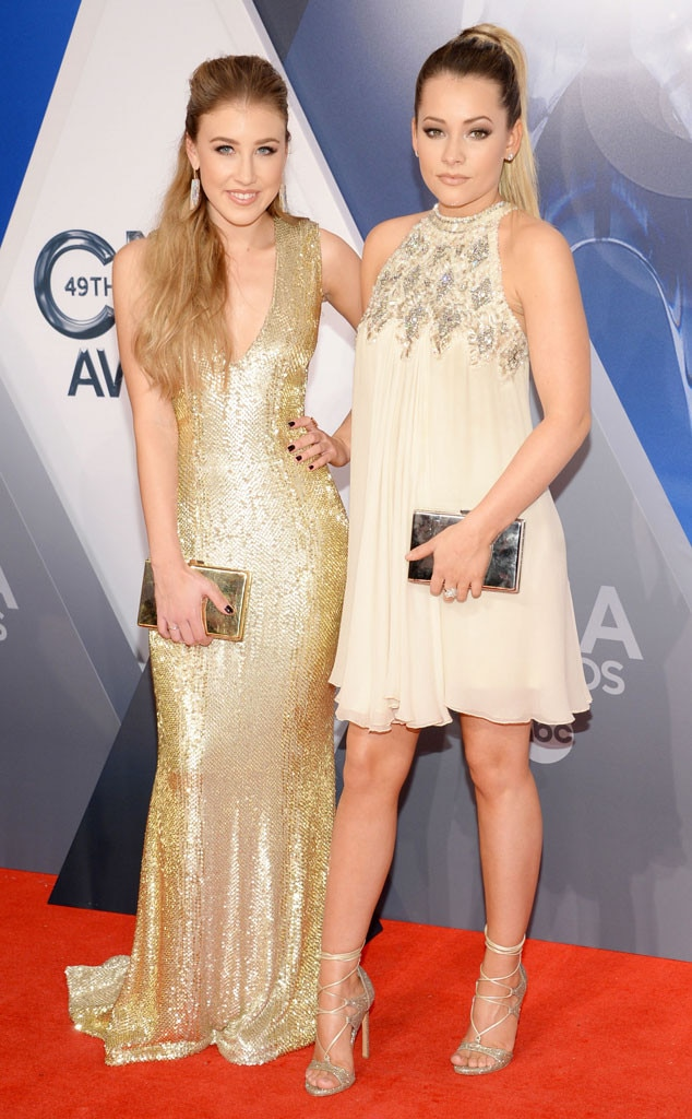 Maddie And Tae From 2015 Cma Awards Red Carpet Arrivals