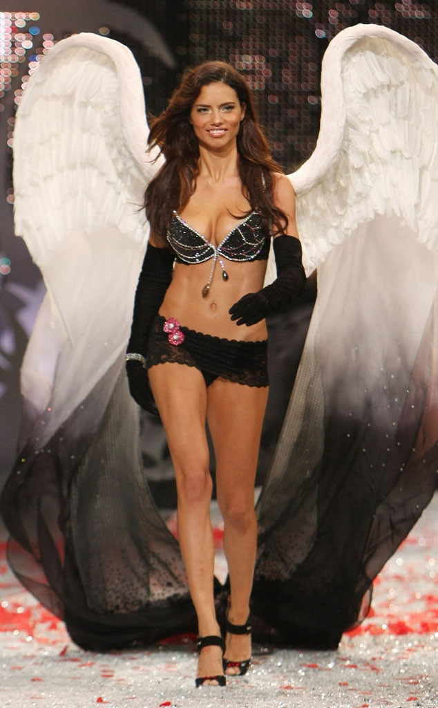 Adriana Lima, Most Memorable Victoria's Secret Fashion Show Looks of All Time, 2008