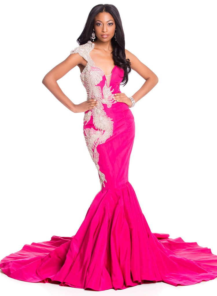 Miss Haiti from 2015 Miss Universe Contestants in Evening Gowns | E ...