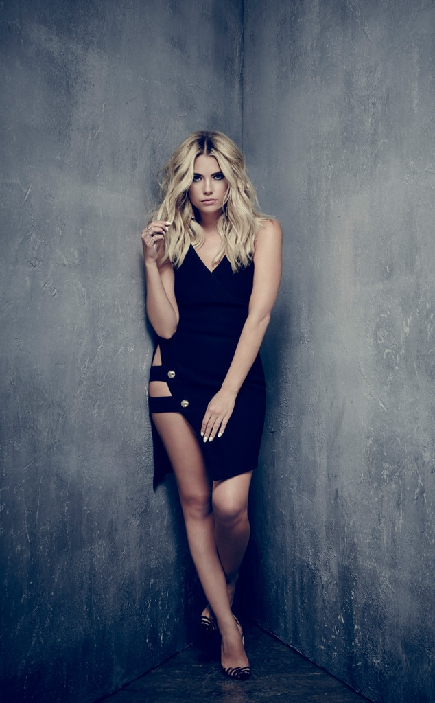 Hanna Ashley Benson From Pretty Little Liars Sexy New Look And