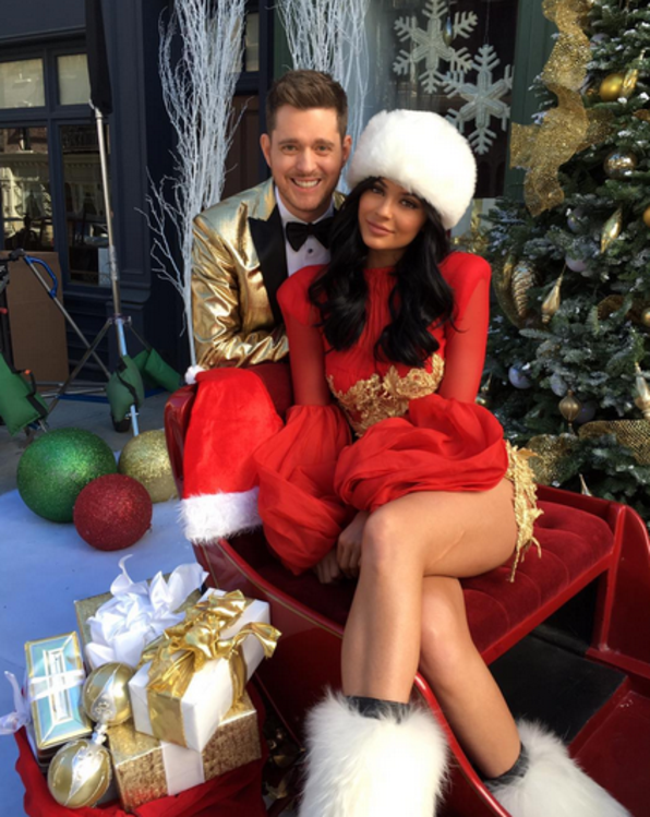 Wow mira la impresionante decoraci n de navidad de la for Decoracion navidena casa kim kardashian