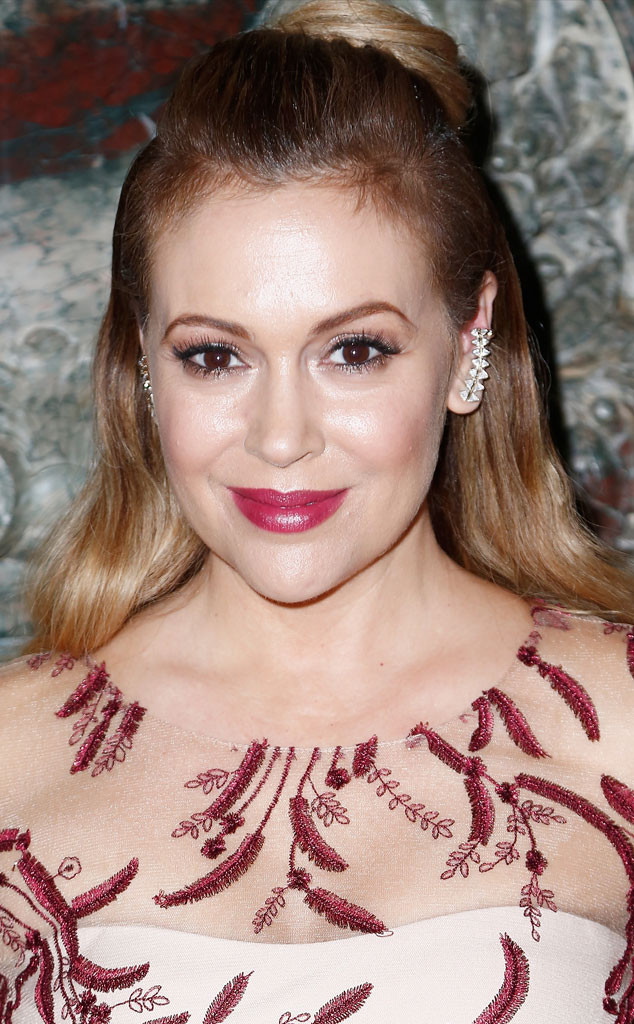 Alyssa Milano Returns To Short Haircut For 43rd Birthday And