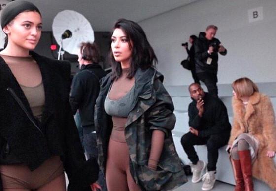 Kim Kardashian, Kanye West, Twitter