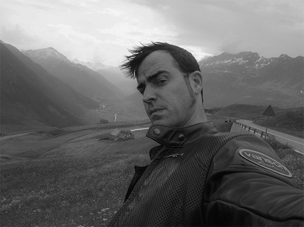 Justin Theroux Joins Instagram and Shares a Moody Selfie